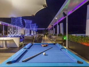 Centra Ashlee Hotel Patong Phuket - Pub/salon