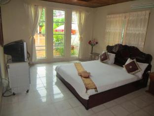 Divers Inc Hotel Sihanoukville - Guest Room