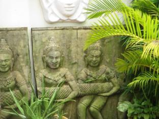 Divers Inc Hotel Sihanoukville - Exterior