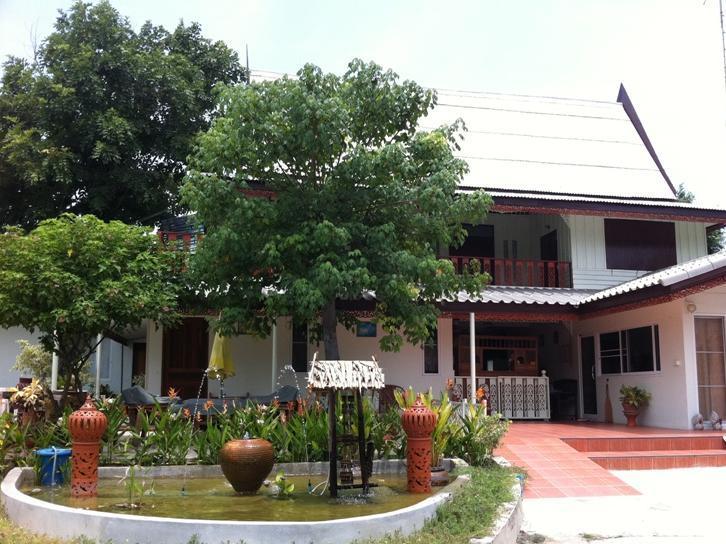 Chomanard Hut Guest House - Hotell och Boende i Thailand i Asien