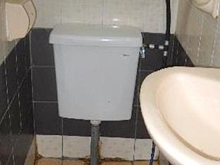 China Town Inn Kuching - Bathroom
