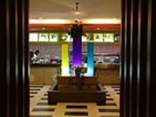 Samudra Court Hotel كوشينج - المطعم