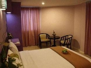 Samudra Court Hotel كوشينج - غرفة الضيوف