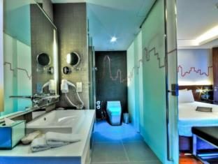 Galleria 10 Sukhumvit by Compass Hospitality Bangkok - Bathroom