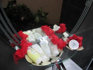 Padang Bai Beach Resort Bali - Bathroom amenities