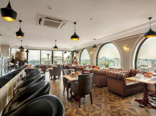 Tirant Hotel Hanoi - Food, drink and entertainment
