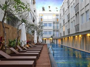 The 101 Bali Legian Hotel Bali - Swimming Pool