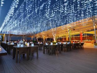The 101 Bali Legian Hotel Bali - Rooftop Restaurant
