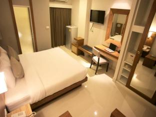 April Suites Pattaya Pattaya - Superior Double Bed