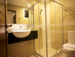 April Suites Pattaya Pattaya - Superior & Deluxe Bathroom