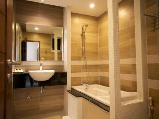 April Suites Pattaya Pattaya - Executive Suite - Bathroom