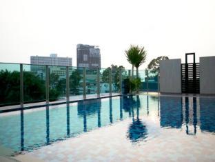 April Suites Pattaya Pattaya - Swimming pool