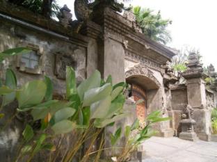 Taman Suci Suite & Villas Balis - Įėjimas