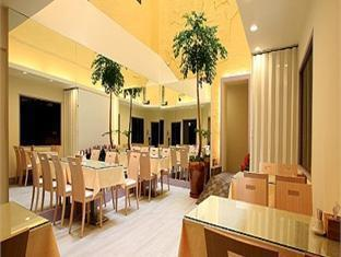 Hwa Mao Business Hotel - More photos