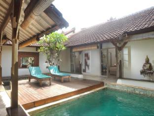 Villa Kresna Boutique Villa Bali - Swimming pool