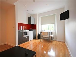 Princes Square Serviced Apartments London - soba za goste