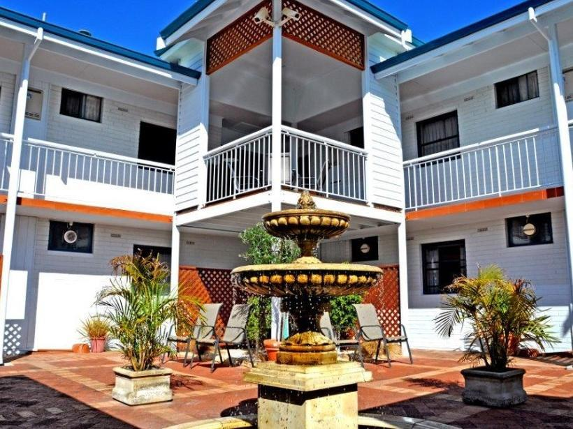 Hotell Dolphin Lodge