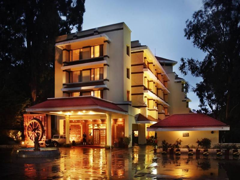 Holiday Inn Gem Park Hotel - Hotel and accommodation in India in Ooty