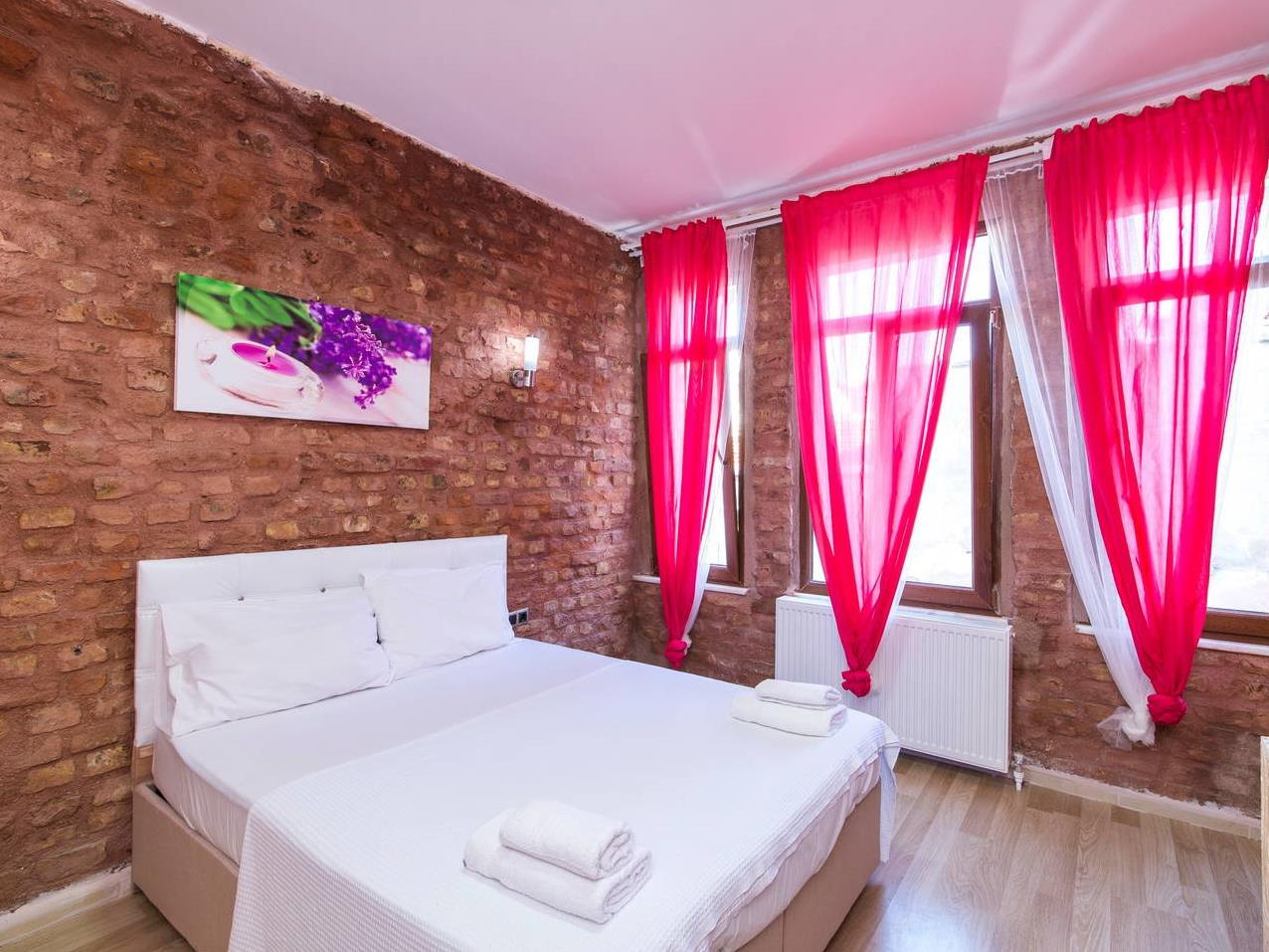 Ash Otel Taksim Bed and Breakfast