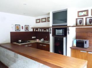 21 Lodge Bali - Common kitchen
