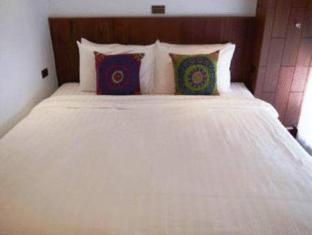 Sutra Beachfront Boutique Hotel Phuket - Guest Room