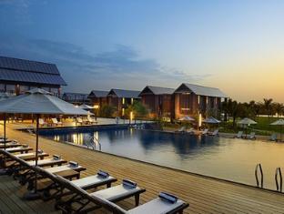 Ri-Yaz Heritage Marina Resort & Spa Kuala Terengganu - Swimming Pool