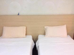 Malaysia Hotel Accommodation Cheap | Maxim Hotel Kota Kinabalu Kota Kinabalu - Twin Bed