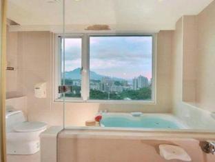 Aroma Hotel Taipei - Bathroom