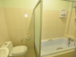 ปิยะพรฮิลล์ พาราไดซ์  แม่สาย(เชียงราย) - ห้องน้ำ
