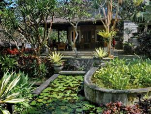 Villa Kusuma Sari Hotel Bali - Food, drink and entertainment