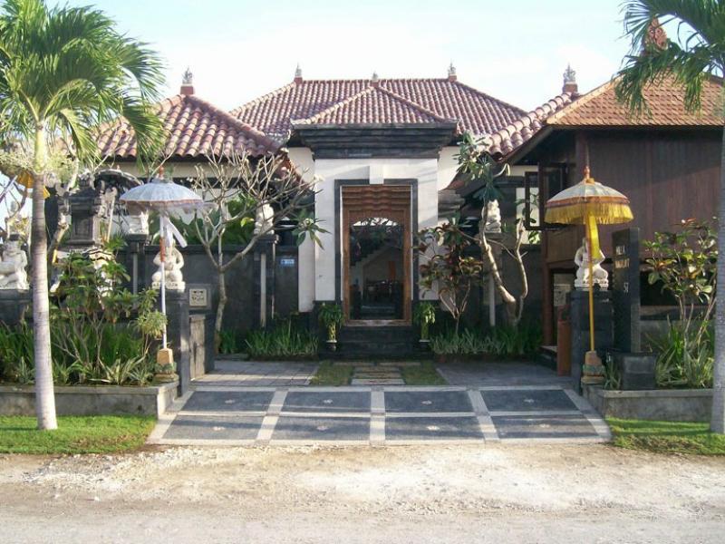 Hotell Villa Naga Laut Hotel