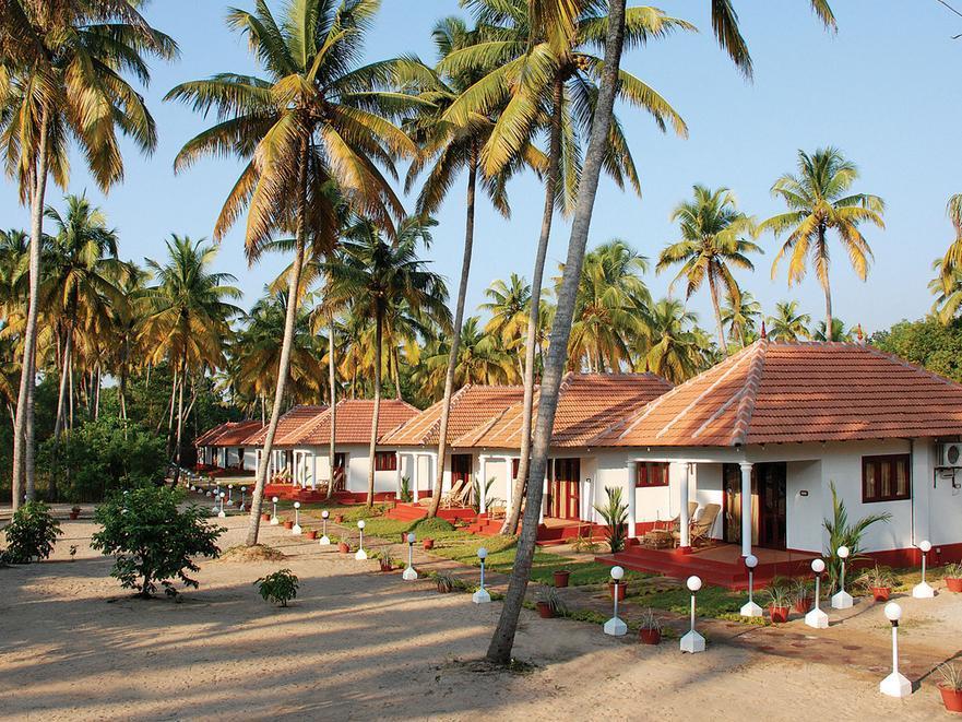 Marari Fishermen Village Beach Resort - Hotell och Boende i Indien i Alleppey