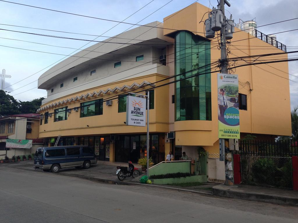 Sun Avenue Tourist Inn And Cafe 보홀