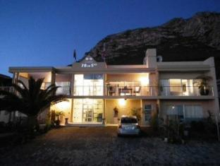 78 On 5th in Hermanus Bed & Breakfast