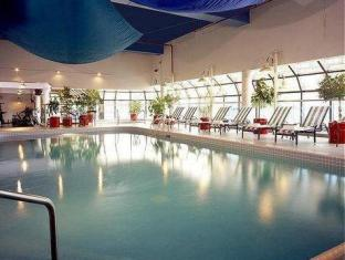 Delta Chelsea Hotel Toronto (ON) - Swimming pool