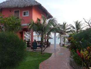 Grace Boutique Resort Phan Thiet - To the beach bar