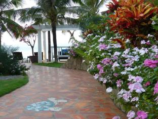 Grace Boutique Resort Phan Thiet - Colorful path to the ocean