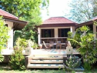 the emerald bungalow resort