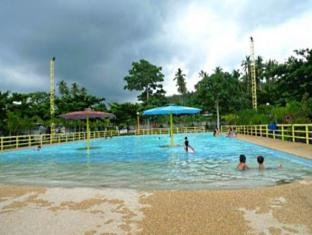 Camp Holiday Resort & Recreation Area Davao - Basen