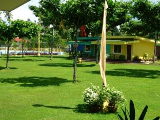 Camp Holiday Resort & Recreation Area Davao - Bahçe