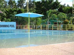 Camp Holiday Resort & Recreation Area Davao City - Swimmingpool