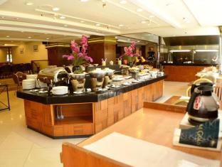 Hotel Grand Pacific Singapore - Food, drink and entertainment