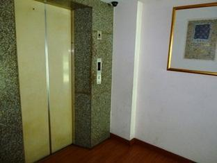 Hotel Sahara Kuala Lumpur - Elevator Area