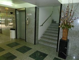 City Hotel Kuala Lumpur - Elevator Area