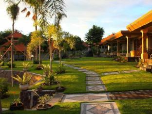 海景潜水度假村图兰奔酒店 巴厘岛 - 花园