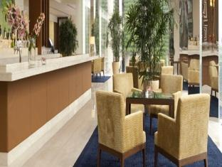 The Oberoi Hotel Gurgaon New Delhi and NCR - Food, drink and entertainment