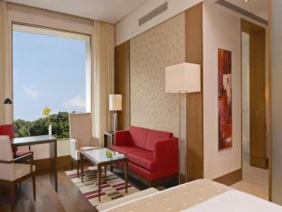 The Oberoi Hotel Gurgaon New Delhi and NCR - Deluxe