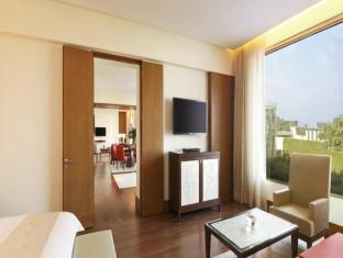 The Oberoi Hotel Gurgaon New Delhi and NCR - Deluxe Suite