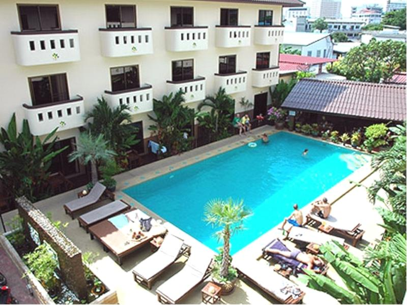 Bonkai Resort Pattaya - Swimming Pool