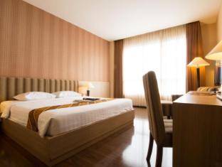 foto2penginapan-Istana_Hotel